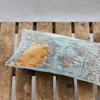 poduszka dla podroznika na prezent north pole z mapą
