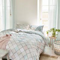 Jaką pościel wybrać na posłanie łóżka latem?