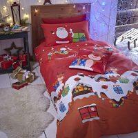 santa-christmas posciel swiateczna dla dzieci z prezntami i mikolajem 140x200 słodka